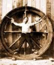 Wheel of imprisonment set your Self free HoudiniWheel2